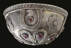 Ancient Greek silver and garnet bowl, Hellenistic period, circa 1st century BC