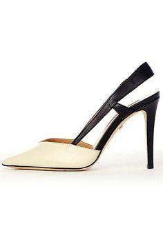 A sleek new pair of heels! Crazy Shoes, Me Too Shoes, Shoes 2014, Ugg, Pumps Heels, Shoes Sandals, Beautiful Shoes, Designer Shoes, Diane Von Furstenberg