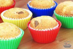 Chuťově výborné muffiny s kousky čokolády uvnitř. Recept obsahuje klasickou i bezlepkovou variantu - obě vyzkoušené. Breakfast, Food, Morning Coffee, Meal, Essen, Hoods, Meals, Morning Breakfast, Eten