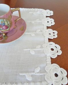Crochet Towel, Crochet Doilies, Crochet Flowers, Fabric Flowers, Knit Crochet, Scrap Fabric Projects, Fabric Crafts, Crochet Projects, Hand Embroidery Designs