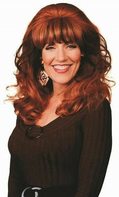 "Katey Sagal - Peggy Bundy from ""Married with. Inexpensive Halloween Costumes, Tv Show Halloween Costumes, Peggy Bundy, Katey Sagal, Christina Applegate, Married With Children, Actrices Hollywood, Female Actresses, Sexy Older Women"