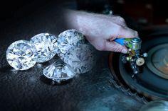 Проект реализации алмазного сырья, который будет презентован 30 мая 2017 года в якутском профессионально-образовательном кластере алмазогранильных и ювелирных производств в вопросах и ответах. В че…