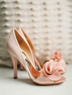 These are absolutely gorgeous. I love them! Mark, I need these in my life, please. Ideal wedding heels! ❤️