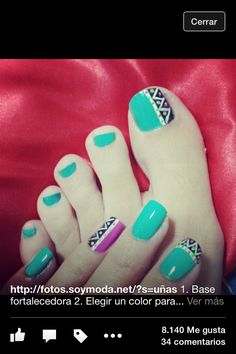 Loving the Aztec patterns on the two fingers and the big toe Pretty Toe Nails, Fancy Nails, Love Nails, Toe Nail Color, Toe Nail Art, Trendy Nail Art, Stylish Nails, Hello Nails, Tribal Nails