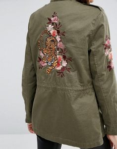 Order New Look Utility Jacket with Tiger Embroidered Back online today at ASOS for fast delivery, multiple payment options and hassle-free returns (Ts&Cs apply). Get the latest trends with ASOS. Style Casual, Casual Fall Outfits, Basket Noir, Sleeves Designs For Dresses, Embroidered Jacket, Asos, Brown Jacket, Tiger, Military Fashion