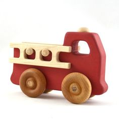 Firetruck Toy – Personalized Wooden Toy Fire Engine – Waldorf Inspired and Heirloom Quality Feuerwehrauto Spielzeug Personalisierte Holzspielzeug Feuerwehrauto von hcwoodcraft Wooden Toy Cars, Wood Toys, Toy Trucks, Fire Trucks, Woodworking Toys, Woodworking Projects, Fire Engine Toy, Push Toys, Wooden Crafts