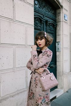 In Search Of Nice Ladies Fashion Tips Fashion And Beauty Tips, Fashion Advice, Fashion Bloggers, Couture Fashion, Paris Fashion, Fashion Fall, Parisian Style, Feminine Style, Hair Trends