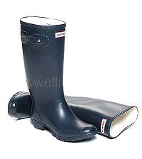 Women's Dark Navy Blue HUNTRESS wider calf fitting wellies - Same style as the Hunter Original Boots, but shorter in height and with a wider, more generous calf. In women's sizes: UK EU Hunter Wellington Boots, Wellies Boots, Hunter Original, Dark Navy Blue, Hunter Boots, Rubber Rain Boots, Calves, Textiles, Lady