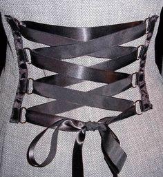 Ribbon corsett.