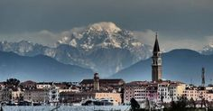 Meglio delle foto di Venezia ci sono solo le foto di Venezia con le montagne innevate sullo sfondo