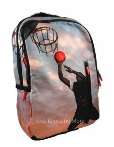 1d0c4560f44 Kindertassen, schooltassen, kinderkoffers, Kinderdekbedovertrekken kopen  voor kinderen. Rugzak Basketballer met bijpassende Etui