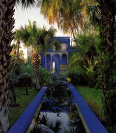 Outrageously gorgeous Marrakesh garden restored in1961 by its owners Yves St Laurent & Pierre Berge. via Saffronia Baldwin