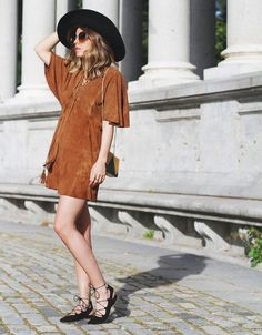 suede-dress-street-style-lace-up-shoes-hat-clutch