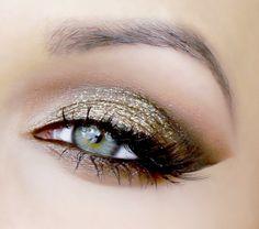 Utopia Glitter by pinupbeautyx93 featuring Makeup Geek Pigment in Utopia