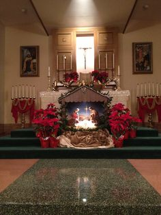 Altar at the Sacred Heart retreat center Christmas Crib Ideas, Church Christmas Decorations, Christmas Events, Why Christmas, Altar Decorations, Large Christmas Baubles, Christmas Hacks, Christmas Nativity, Christmas Tree Toppers