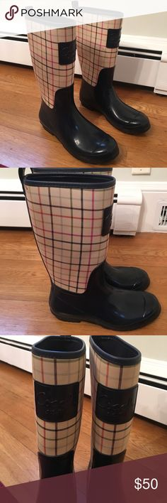 COACH RAINBOOTS SIZE 9 Checkerd style coach rainboots. Perfect condition- only worn a handful of times. Rubber and soles are in great condition as well. They are a size 9 but could also fit a size 8 or 10, since they are less form fitting to the foot. Perfect for a rainy kind of day! ☔️ Coach Shoes Winter & Rain Boots