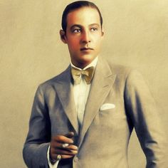 'Rudolph Valentino, Vintage Hollywood Legend' by SerpentFilms Silent Film Stars, Movie Stars, Female Poets, Rudolph Valentino, Retro Advertising, Vintage Hollywood, Long Hoodie, Wwii, Chiffon Tops