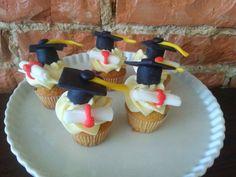 Graduation Cupcakes Graduation Cupcakes, Desserts, Food, Fresh, Meal, Deserts, Essen, Hoods, Dessert