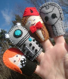 Fingerpuppets! I kinda want two sets of these, one for me and one for a really good friend.