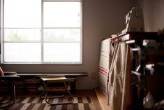静かな雰囲気漂うアトリエ。#A様邸練馬 #団地リノベ #アトリエ #ダイニングチェア #レトロ #シンプルな暮らし #日当たり良好 #EcoDeco #エコデコ #インテリア #リノベーション #renovation #東京 #福岡 #福岡リノベーション #福岡設計事務所 Curtains, Home Decor, Blinds, Decoration Home, Room Decor, Draping, Home Interior Design, Picture Window Treatments, Home Decoration