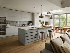 Bespoke Kitchens – British, Designer, Handmade Contemporary Kitchens + Wardrobes from Roundhouse Design