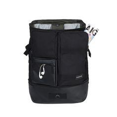 http://www.crumpler.eu/all-bags/backpacks/mighty-geek-backpack
