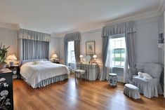 Blue Bedroom - Country homes for sale and luxury real estate including horse farms and property in the Caledon and King City areas near Toronto