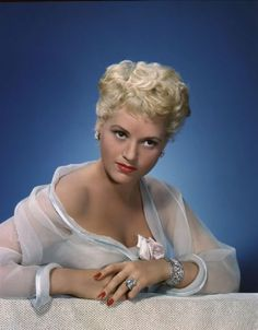 """Judy Holliday in """"It Should Happen to You!"""" (1953). Director: George Cukor."""