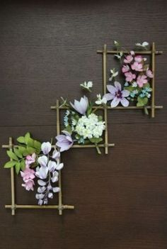 Add color, patterns and other unique touches to your walls with our wall art craft ideas. DIY wall art projects are a fun and creative way to add personalized décor to your home or office. And wall art crafts are… Continue Reading → Home Flowers, Simple Flowers, Paper Flowers, Diy Flowers, Home Flower Decor, Wall Flowers, Flower Frame, Diy Wand, Diy Home Crafts