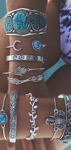How to stack and layer your jewelry #stackingbracelets #modernhippie #bohojewelry #layeredjewelry