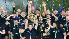 Coupe du monde de rugby 2015 Troisième titre de champion du monde (1987, 2011, 2015) pour les All Blacks. Dan Carter, World Cup Final, All Blacks, Rugby World Cup, Beautiful World, Champs, New Zealand, Gentleman, Concert