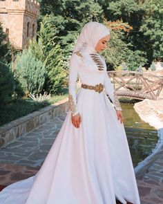 Muslimah Wedding Dress, Hijab Style Dress, Hijab Wedding Dresses, Dream Wedding Dresses, Prom Dresses, Muslim Fashion, Hijab Fashion, Weeding Dress, Fantasy Dress