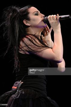 Amy Lee of Evanescence performs 'Bring Me To Life,' 'My Immortal' and 'Call Me When You're Sober'