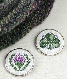 Craft Ideas : Projects : Details : knit-heather-cowl-with-celtic-pins