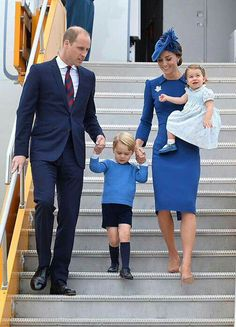 Prince William With Kate Middleton & Prince George & Princess Charlotte
