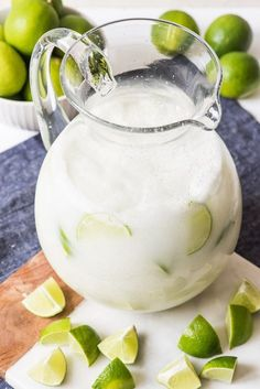 Brazilian Lemonade Don't pulverize the limes by blending them thinking that it will get more juice out of them. That will just release more of the pith, which is the bitter, white layer between the green outer skin and the juicy flesh of the lime inside. Party Drinks, Cocktail Drinks, Fun Drinks, Yummy Drinks, Healthy Drinks, Cocktails, Healthy Recipes, Healthy Food, Juice Drinks
