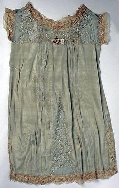 omgthatdress: Nightgown Boué Soeurs, 1928 The Metropolitan Museum of Art
