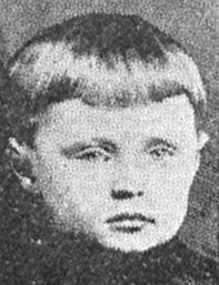 """Charles """" Carl """" Ohl Ship : General Slocum  Nationality : American  Residence : New York, New York US  Death : June 15, 1904 10 : 00 AM  Cause : General Slocum caught fire and sank ( body lost or buried in mass grave )  Age : 8 years"""