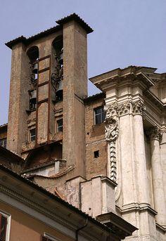 Rom, Piazza di Santa Maria in Campitelli, Santa Maria in Campitelli, Glockenturm (bell tower)