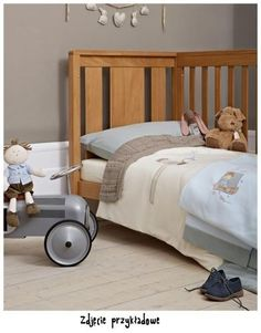 Mamas & Papas offer the best quality in prams, pushchairs, car seats, nursery furniture, baby clothing and toys & gifts. Understanding parent and baby. Boy Quilts, Mamas And Papas, Prams, Nursery Furniture, Car Seats, Pillow Cases, Toddler Bed, Baby, Home Decor