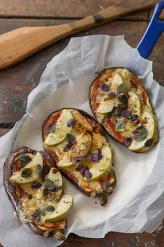 Pizzas de berenjena y manzana verde. (Y el secreto de la berenjena) | Cocina