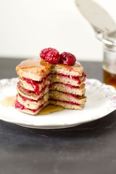Pancakes with Banana, Oats and Raspberries - glutenfree & Low-Carb - so yummy!!!