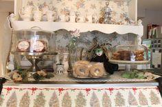 Ven a deleitarte con nuestros deliciosos bagels, postres, cafés e infusiones en un ambiente Shabby Chic. Colima 75 Col. Roma, México D.F https://www.facebook.com/CasaConstanzaCafe
