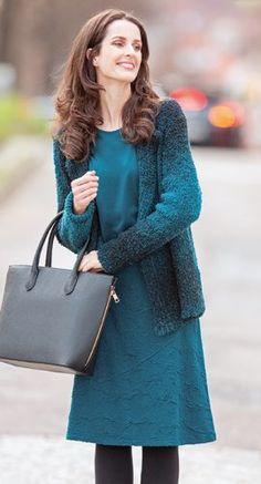 Naturmode - Jacke aus Schurwolle in Farbverlauf mit Kleid in Jacquard aus Bio Baumwolle mit Modal Edelweiss, Größen S bis XL - Finesse Fashion ©