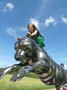 Outdoor Sculpture, Sculpture Art, Tire Art, Recycling, Trash Art, Tyres Recycle, Scrap Metal Art, Life Is Good, Promotion