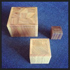 Eerste test resultaten binnen voor de verpakkingen van #SVVK; massief houten doosjes in eiken iep en walnoot... erg mooi! #blijei :-)