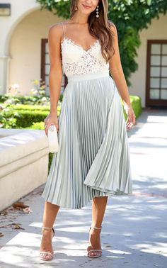 Love this for spring. Need more pleated skirts and a top like this!!