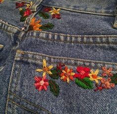 Find images and videos about fashion, flowers and jeans on We Heart It - the app to get lost in what you love. Cute Embroidery, Cross Stitch Embroidery, Embroidery Designs, Embroidery On Jeans, Diy Clothing, Custom Clothes, Painted Clothes, Embroidered Clothes, Diy Fashion