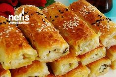 Baklava Pastry Pastry (Crispy Crispy) (with video) - Delicious Recipes, Pasta Recipes, Cake Recipes, Snack Recipes, Snacks, Pizza Pastry, Wie Macht Man, Food Club, Turkish Recipes, Cheese Ball
