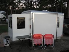 While camping at Eastbank Campground just over the Georgia line from Chattahoochee, Florida this rig pulled in and you know me. I had to che...